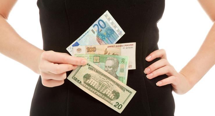 Курс валют на 30.11.2020: Евро почти пробило отметку в 34 гривны, доллар растет
