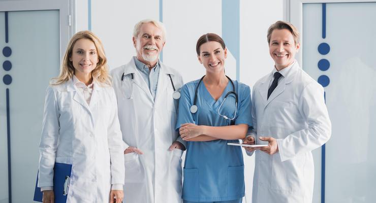 Сколько получают украинские медики: Стала известна цифра