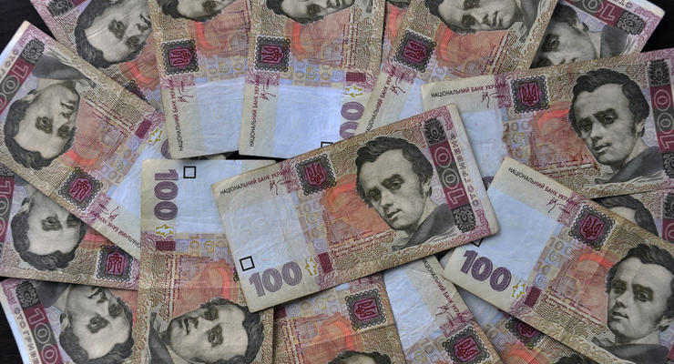 Степанов возмутился из-за зарплат медработников