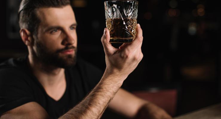 Самый популярный алкоголь: Украинцы стали пить чаще и сильнее