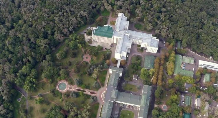 "Сколько потратили на лечение Зеленского и Ермака в ""Феофании"": Названа сумма"