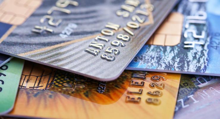 В Украине могут пропасть бесплатные платежные карты: Что случилось