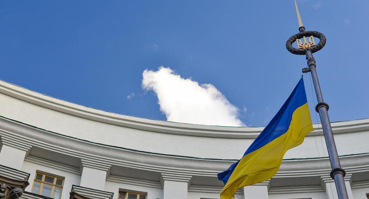 Коронавирус в Украине: Кабмин хочет штрафовать за нарушение режима самоизоляции