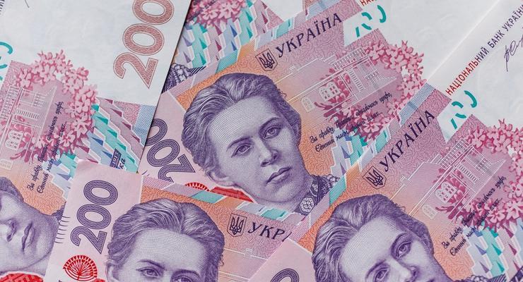 Украинцы задолжали микрозаймам огромную сумму: Цифры