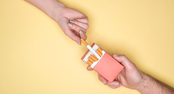 Сигареты снова подорожают: Сколько придется платить курильщикам