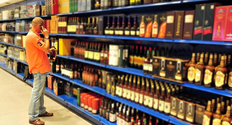 Степанов рассказал, почему при локдауне можно купить водку и нельзя - детские товары