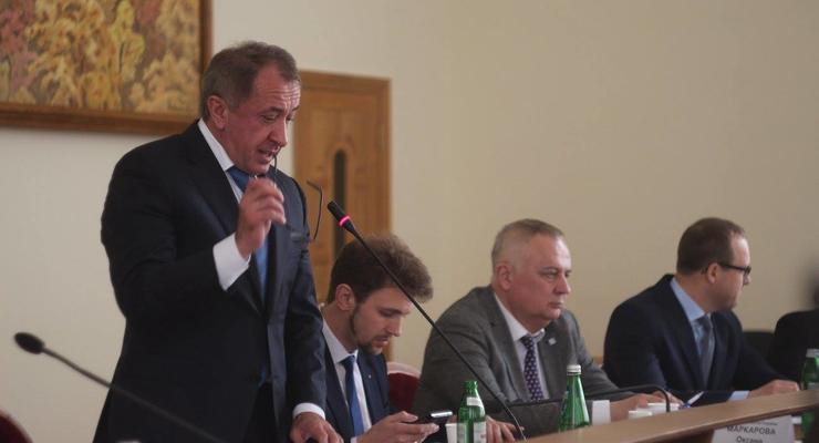 Совет НБУ: Иностранные инвесторы массово выводят деньги из Украины