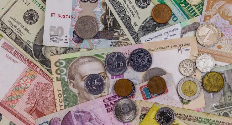 Курс валют на 14.01.2021: Гривна продолжает укрепляться, доллар и евро падают