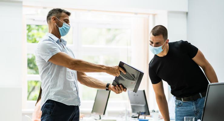 Вступил в силу закон о новых штрафах для бизнеса: Теперь гоняют за маски