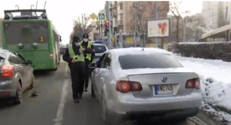"""""""Евробляхи"""" начали штрафовать на дорогах: Сколько придется платить"""