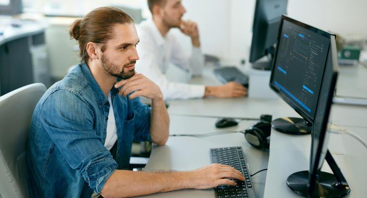 В Киеве хотят переучивать безработных на программистов: Как это должно работать