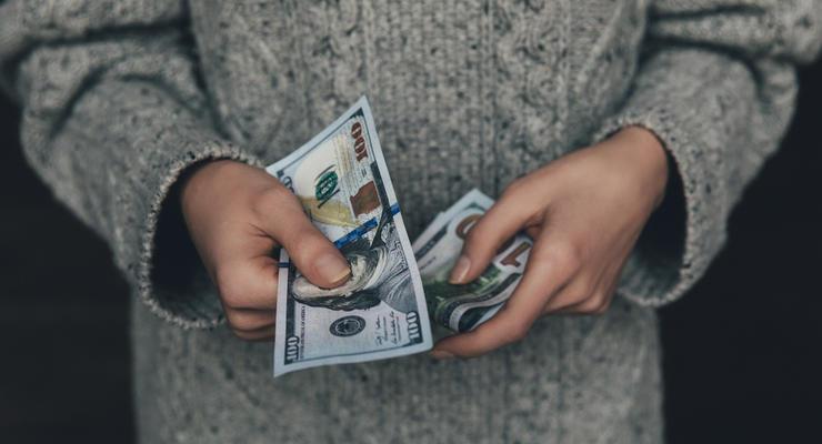 Курс валют на 21.01.2021: Гривна ослабела к доллару и усилилась к евро
