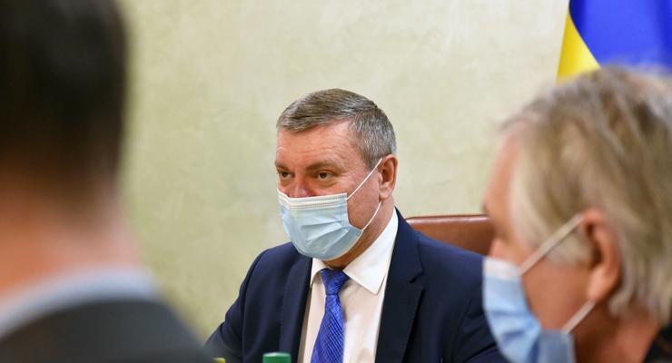Зеленский потребовал к 30-летию Украины запустить в космос спутник