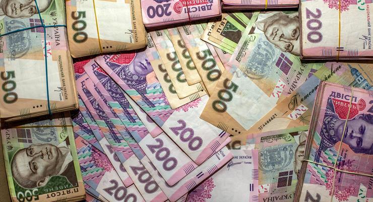 Минимальная зарплата в Украине в 10 раз ниже европейской: Инфографика