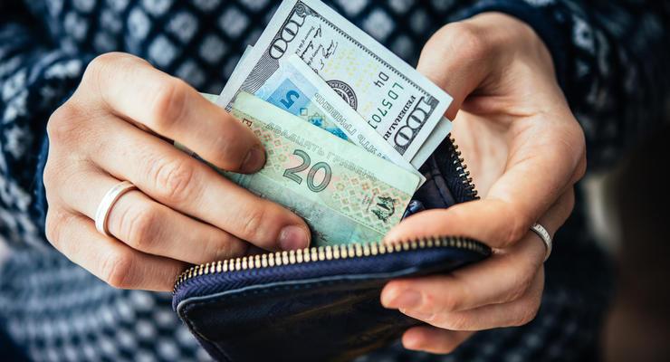 Курс валют на 10.02.2021: Евро пошло вверх, доллар немного упал