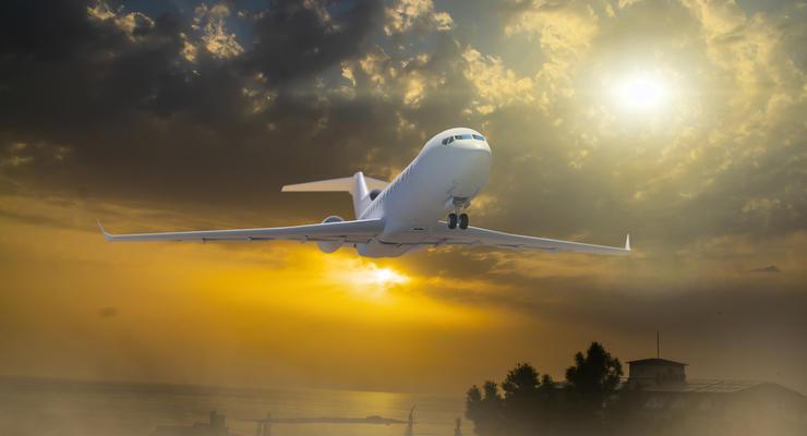 """Авиакомпания """"WindRose"""" подняла цену на билеты по Украине"""
