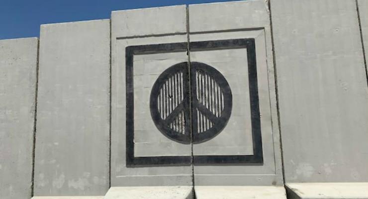 Застенный туризм: Египетский курорт обнесли бетонной стеной в целях безопасности