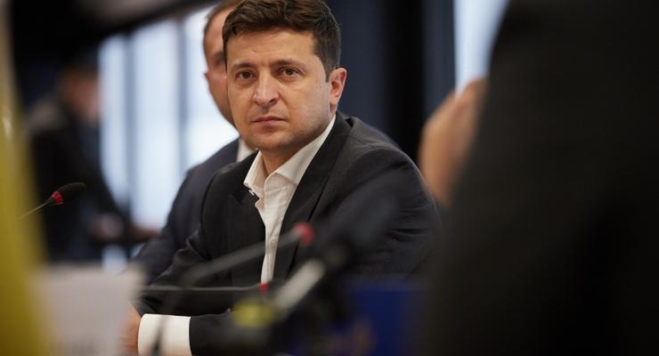 """Разумный компромисс: Зеленский поддержал льготные условия для растаможки """"евроблях"""""""