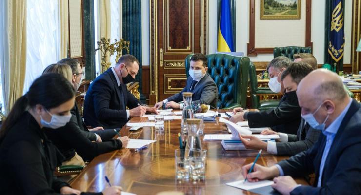 Всем украинцам гарантируется бесплатная прививка от COVID-19 - Зеленский