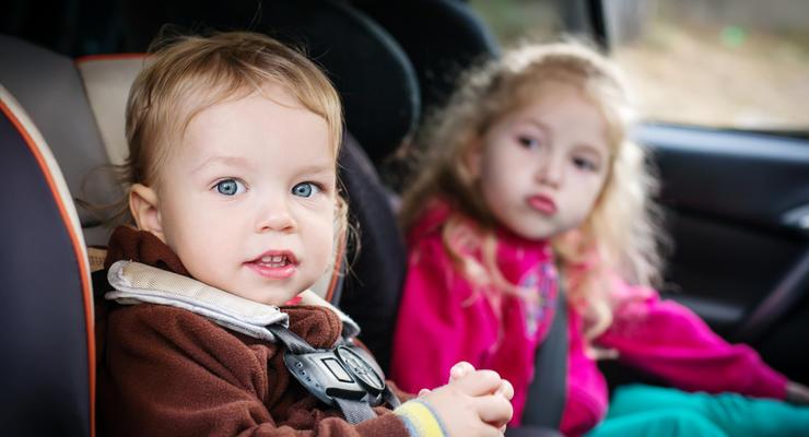 ПДД в Украине в 2021: Как теперь положено перевозить детей в машинах
