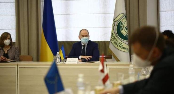 Платная вакцина от COVID-19 в Украине: Когда ждать
