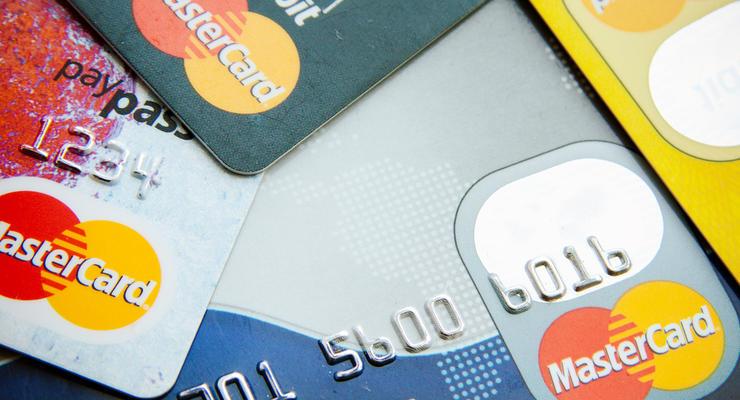 """В """"Слуге народа"""" обещают законодательно ограничить комиссию коммерческих банков, Visa и MasterCard"""