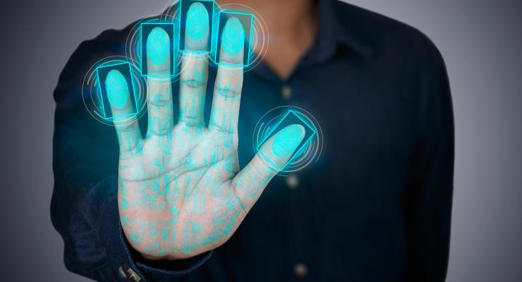 Иностранцев обязали предоставлять отпечатки пальцев для украинской визы