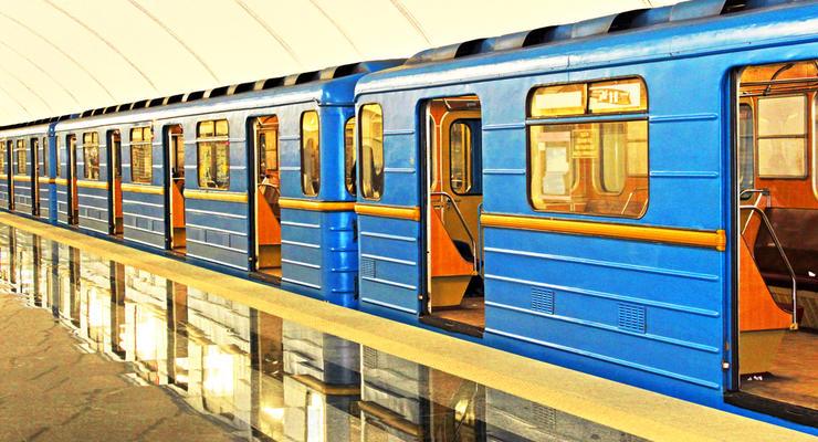 В Киевском метро прекращают действовать зеленые карточки: Чем их заменят