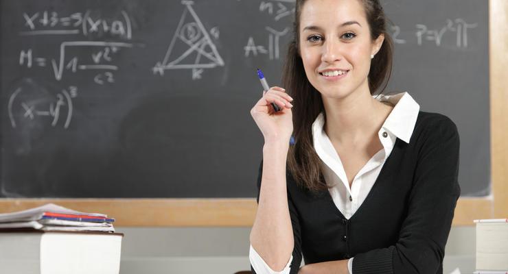 Учителям в Украине пересчитают зарплаты: Стала известна дата