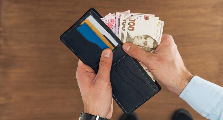 Средняя зарплата в Украине выросла еще на 200 гривен, - Госстат