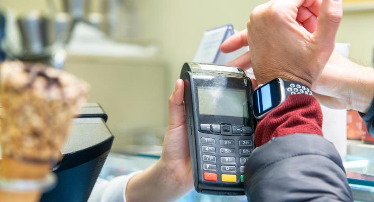 В ПриватБанке заявили о возможном отключении Apple Pay и Google Pay