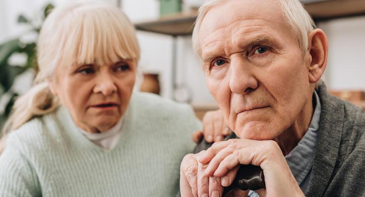 Два миллиона пенсионеров получают пенсию менее двух тысяч гривен - Лазебная