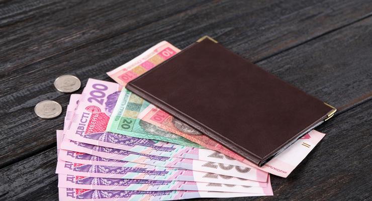 Минимальную пенсию в Украине поднимут: Кто будет получать больше