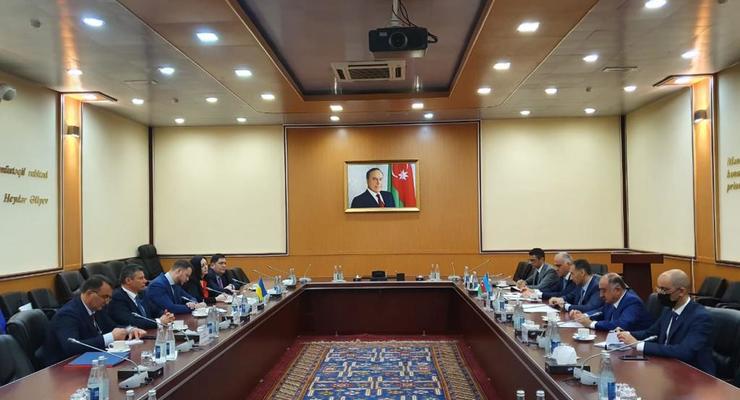 Азербайджан готов расширить ависообщение с Украиной