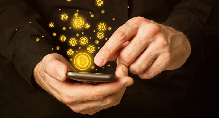 Курс биткоина устанавливает новые рекорды: Криптовалюта торгуется выше 64 тыс долларов