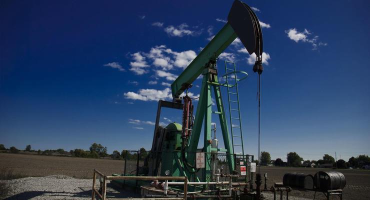 Цена на нефть 15.04.2021: Стоимость падает на фоне роста спроса