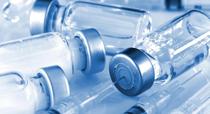 В Раде рассказали, когда вакцина от коронавируса попадет в свободную продажу