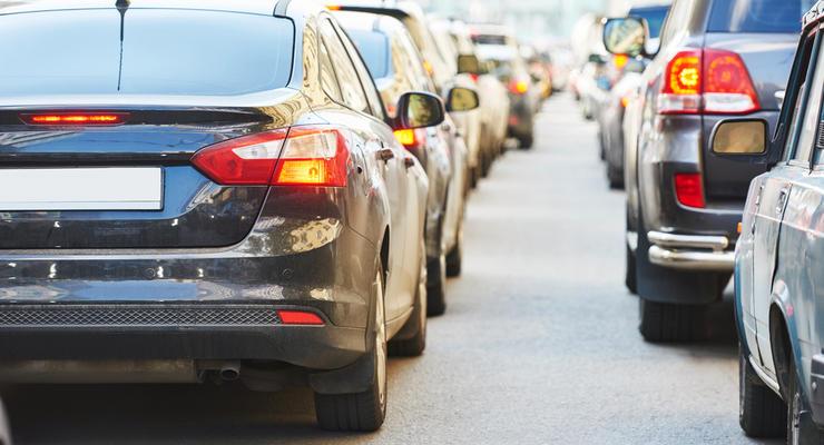 В Украине хотят восстановить дорожный сбор: Он коснется всех автовладельцев