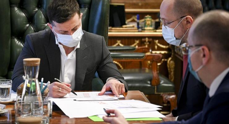 Украине нужна своя лаборатория для изготовления вакцин, - Зеленский