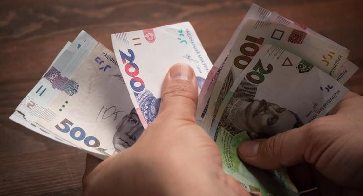 Средняя зарплата в Украине за год выросла более чем на 2 тыс грн — Госстат