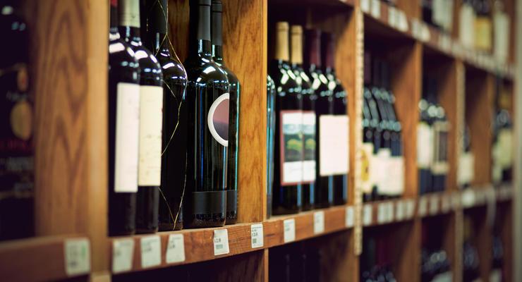 Цены на алкоголь в очередной раз поднимут: Подробности