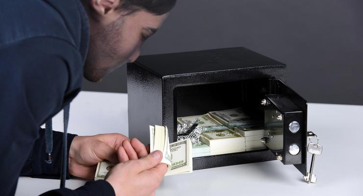 Какие банкноты чаще всего подделывают мошенники: Инфографика