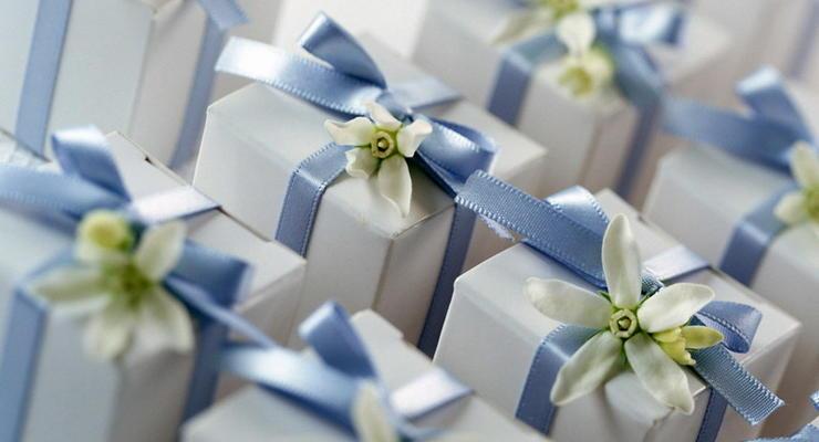 Желаем долгих лет: что подарить родителям на юбилейную годовщину свадьбы
