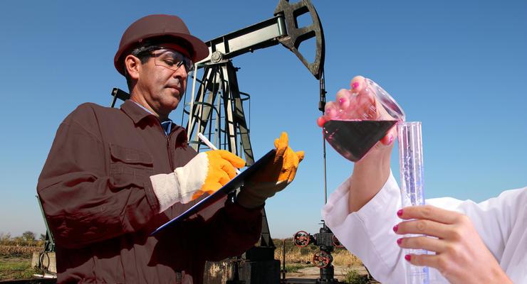Цены на нефть 8.06.2021: Топливо дешевеет на фоне падения китайского импорта