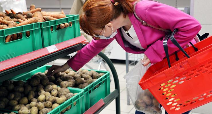 От картошки до сигарет: Насколько подорожали продукты в Украине
