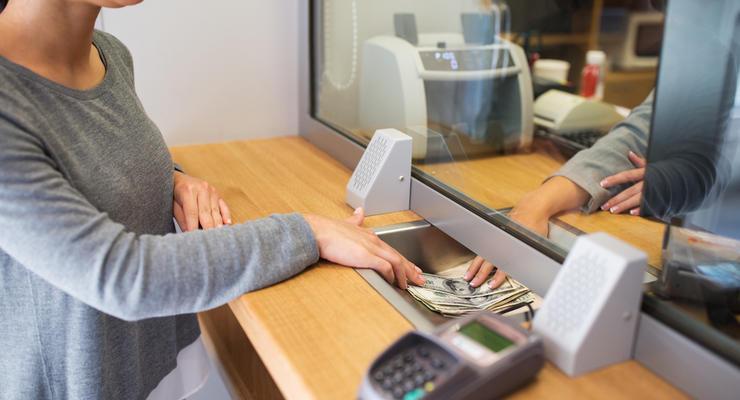 Курс валют на 17.06.2021: Доллар резко подорожал