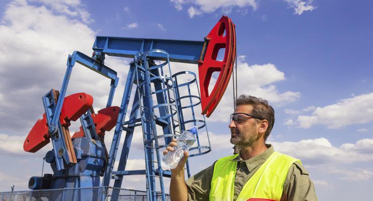 Цены на нефть 18.06.2021: Топливо продолжает дешеветь