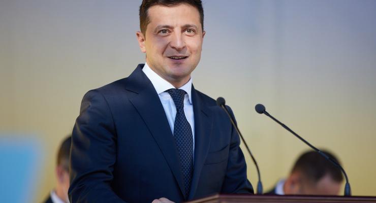 Зеленский подписал закон о штрафах за перегруженные фуры