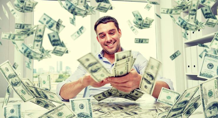 В США мужчина по ошибке получил от банка $50 млрд