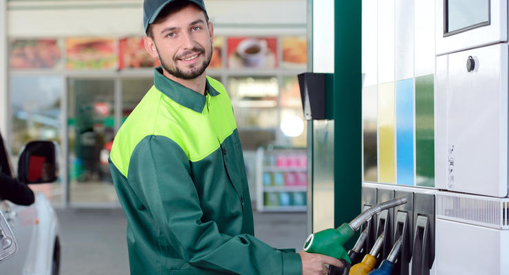 Цены на бензин в Украине поднялись после корректировок Минэкономики